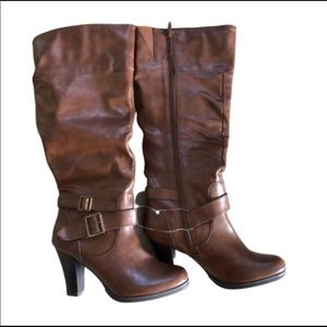 Shoes - Brand new brown boots